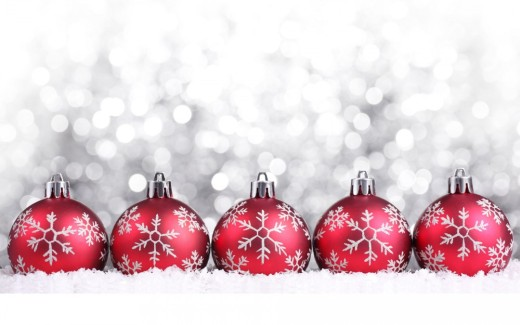 Christmas-Decorations-Snow-HD-Wallpaper-1080x675