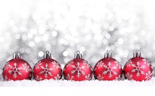 Christmas-Decorations-Snow-HD-Wallpaper-1080x675